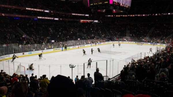 T-Mobile Arena, Abschnitt: 2, Reihe: Q, Platz: 19