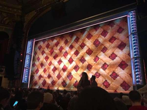 Brooks Atkinson Theatre, Abschnitt: Orch R, Reihe: H, Platz: 10