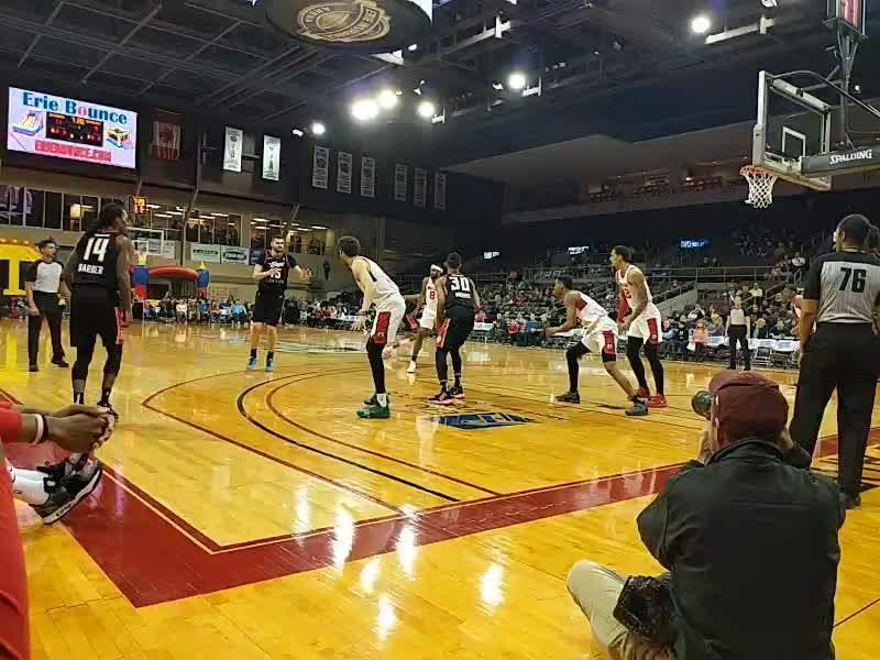 Erie Insurance Arena, Bereich: COURTW, Reihe: CRTW, Platz: 25