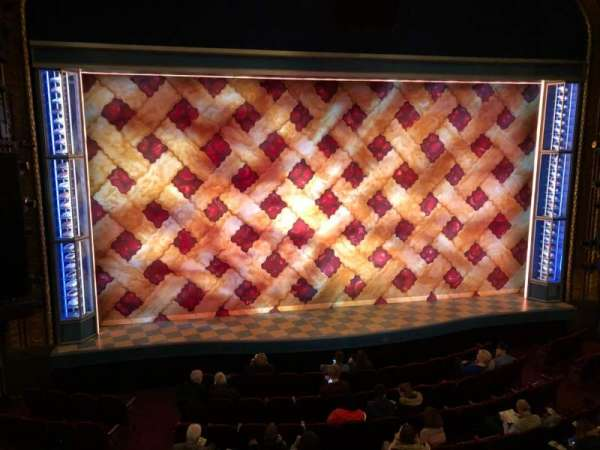 Brooks Atkinson Theatre, Abschnitt: Front Mezzanine C, Reihe: A, Platz: 101