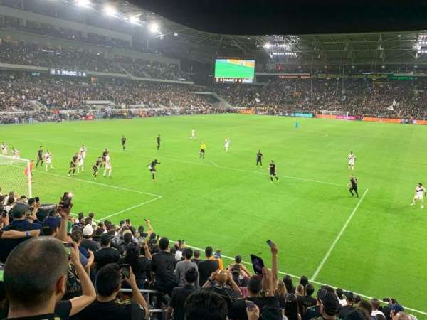 Banc of California Stadium, Abschnitt: 120, Reihe: M, Platz: 19