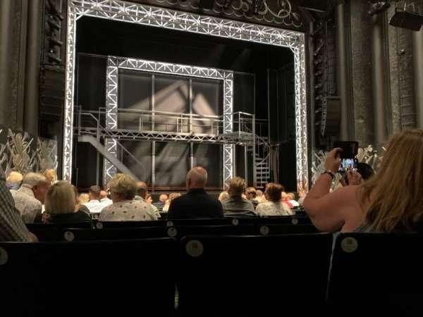 Trafalgar Theatre, Bereich: Stalls, Reihe: L, Platz: 20