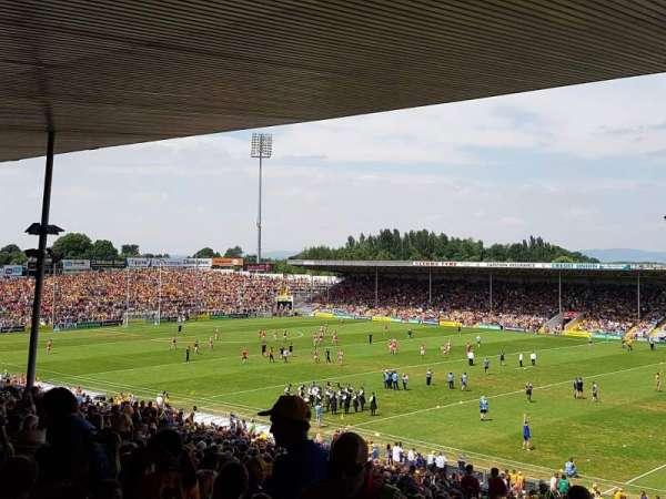 Semple Stadium, Abschnitt: 209, Reihe: FF, Platz: 12