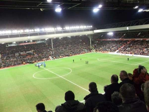 Anfield, Abschnitt: CE7 (now Kenny Dalglish stand), Reihe: 11, Platz: 178