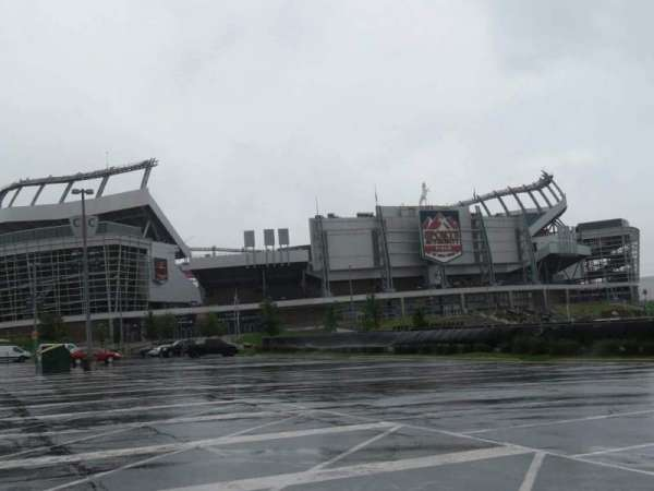 Broncos Stadium at Mile High, Abschnitt: exterior