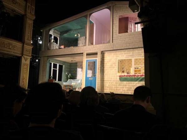 Duke of York's Theatre, Abschnitt: Stalls, Reihe: F, Platz: 20