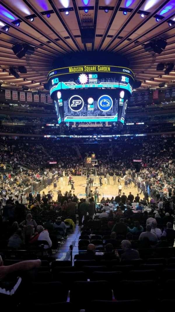 Madison Square Garden, Abschnitt: 102, Reihe: 13, Platz: 13