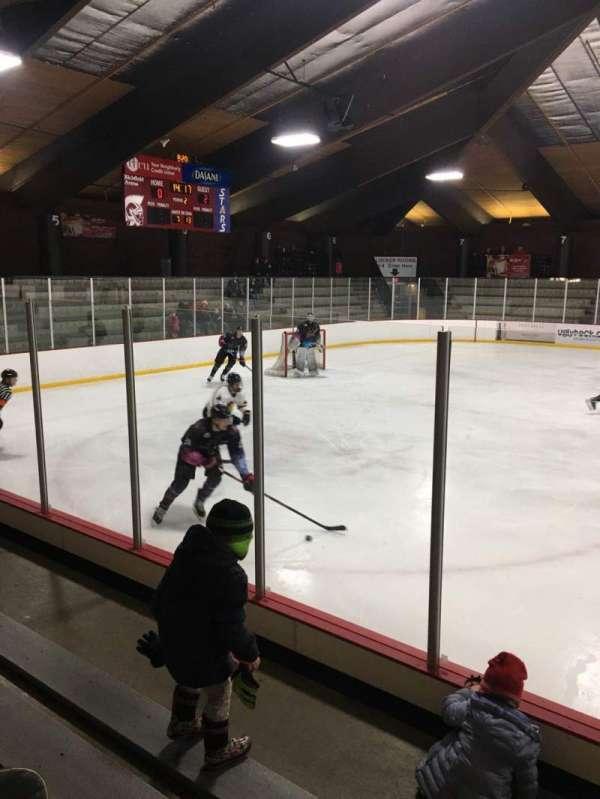Richfield Ice Arena, Abschnitt: 2, Reihe: D, Platz: 3