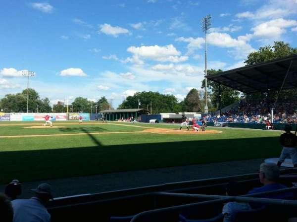 BB&T Ballpark at Historic Bowman Field, Abschnitt: z, Reihe: e, Platz: 3