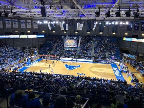 Alumni Arena (University at Buffalo), Abschnitt: 305, Reihe: F, Platz: 9