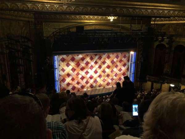 Brooks Atkinson Theatre, Abschnitt: Mezzaine, Reihe: K, Platz: 128