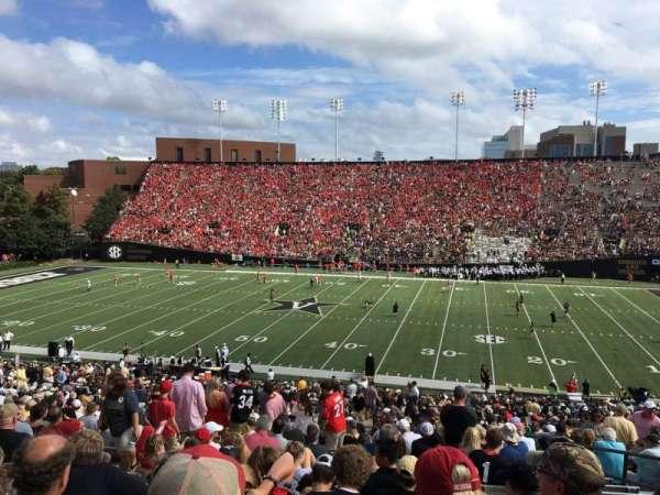 Vanderbilt Stadium, Bereich: E, Reihe: 46, Platz: 25