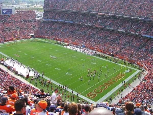 Broncos Stadium at Mile High, Abschnitt: 527, Reihe: 18, Platz: 19