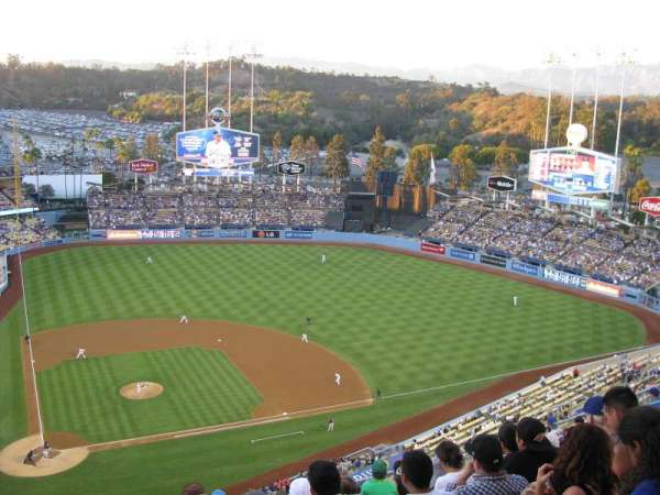 Dodger Stadium, Abschnitt: 10TD, Reihe: M, Platz: 2
