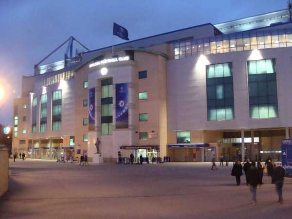 Stamford Bridge, Abschnitt: Outside