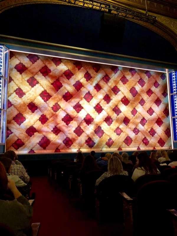 Brooks Atkinson Theatre, Abschnitt: Orchestra L, Reihe: K, Platz: 1