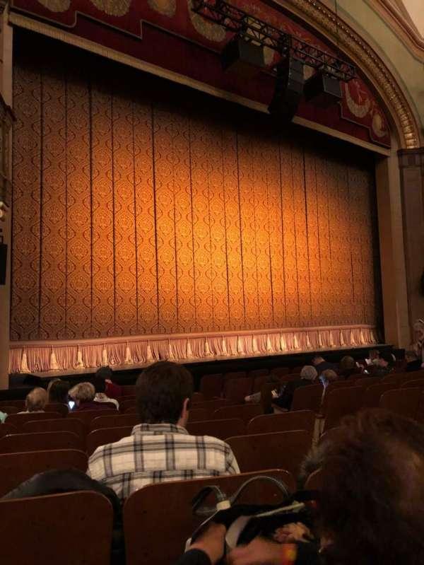 Booth Theatre, Abschnitt: Orch L, Reihe: J, Platz: 7