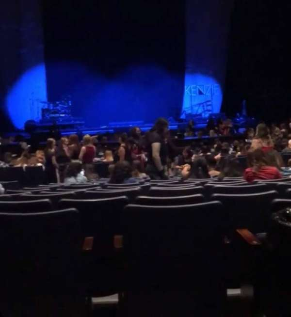 Rosemont Theatre, Abschnitt: 110, Reihe: AA, Platz: 11