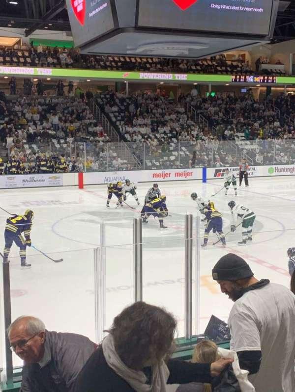 Munn Ice Arena, Abschnitt: V, Reihe: 9, Platz: 8
