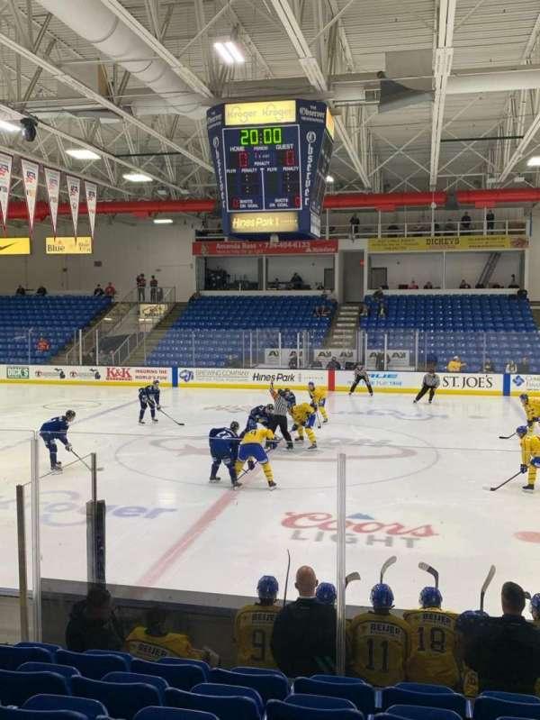 USA Hockey Arena, Bereich: 102, Reihe: K, Platz: 10