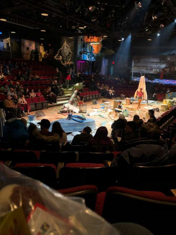 Circle in the Square Theatre, Abschnitt: Orch, Reihe: F, Platz: 124