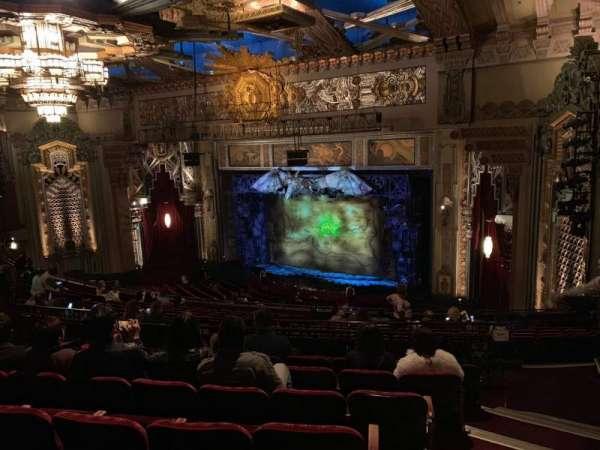 Hollywood Pantages Theatre, Abschnitt: Mezz Right, Reihe: Q, Platz: 24