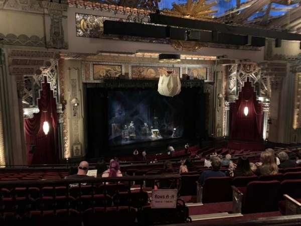 Hollywood Pantages Theatre, Abschnitt: Mezz Left, Reihe: J, Platz: 5