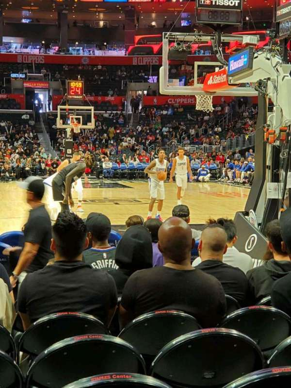 Staples Center, Abschnitt: 107, Reihe: J, Platz: 8