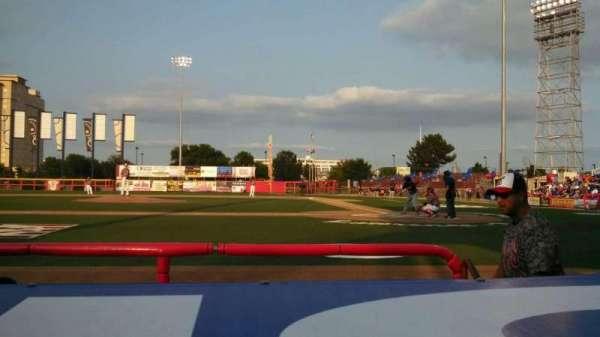 Lawrence-Dumont Stadium, Abschnitt: 106, Reihe: CC, Platz: 7