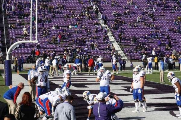 Bill Snyder Family Stadium, Abschnitt: 20, Reihe: 6, Platz: 6