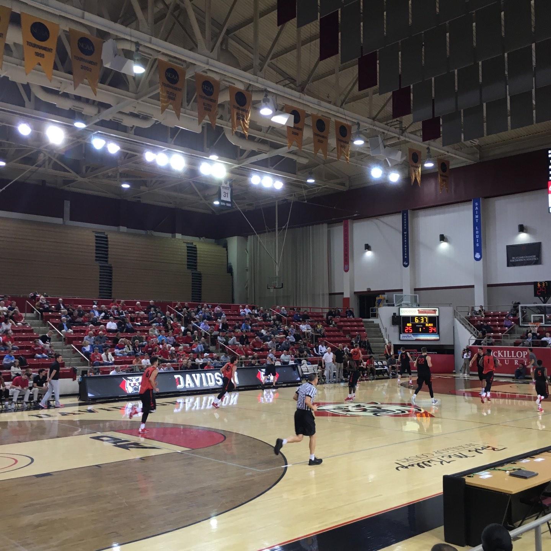 John M. Belk Arena Bereich 5 Reihe D Platz 2