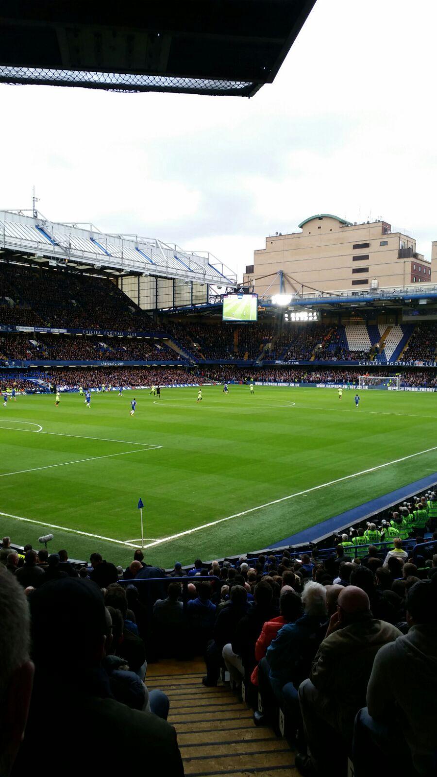 Stamford Bridge Bereich Matthew Harding Lower 8 Reihe U Platz 395