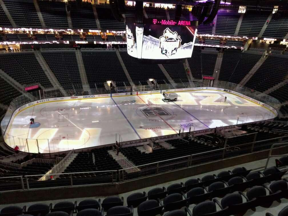 T-Mobile Arena Abschnitt 203 Reihe f Platz 7