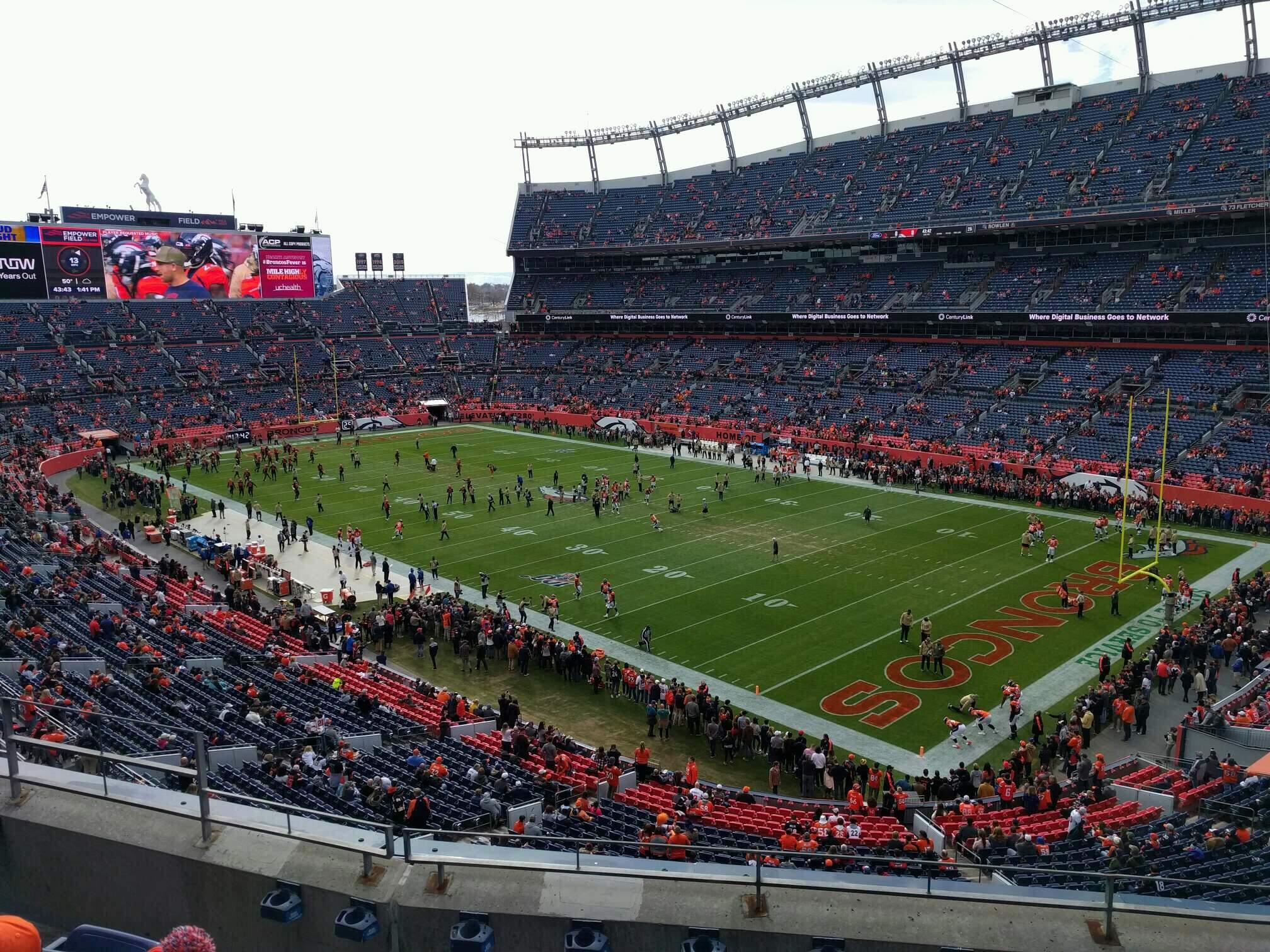 Empower Field at Mile High Stadium Bereich 329 Reihe 5 Platz 9