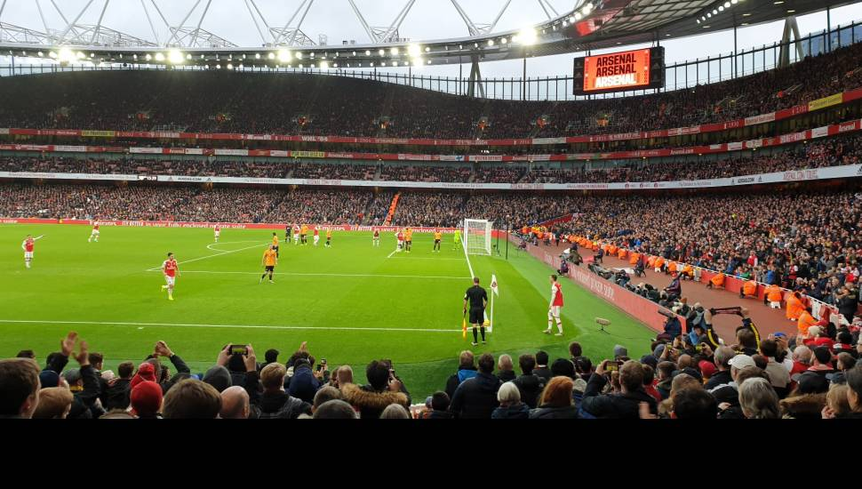 Emirates Stadium,  Abschnitt <strong>214</strong>, Reihe <strong>X</strong>, Platz <strong>6</strong>