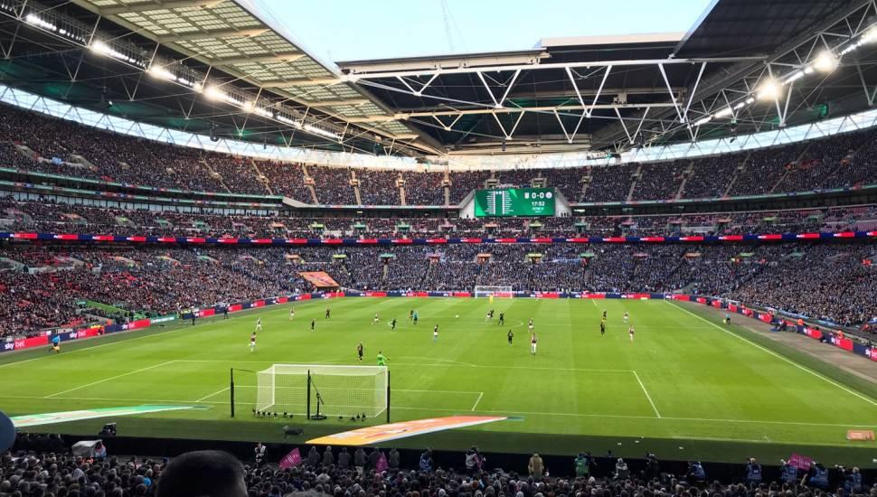 Wembley Stadium,  Abschnitt <strong>215</strong>, Reihe <strong>1</strong>, Platz <strong>19</strong>