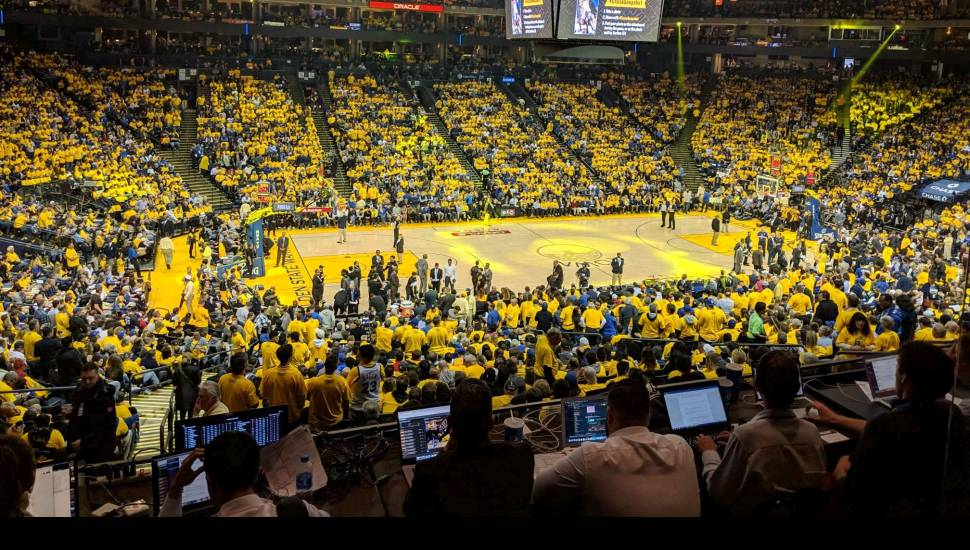 Oracle Arena,  Abschnitt <strong>9</strong>, Reihe <strong>10</strong>, Platz <strong>9</strong>