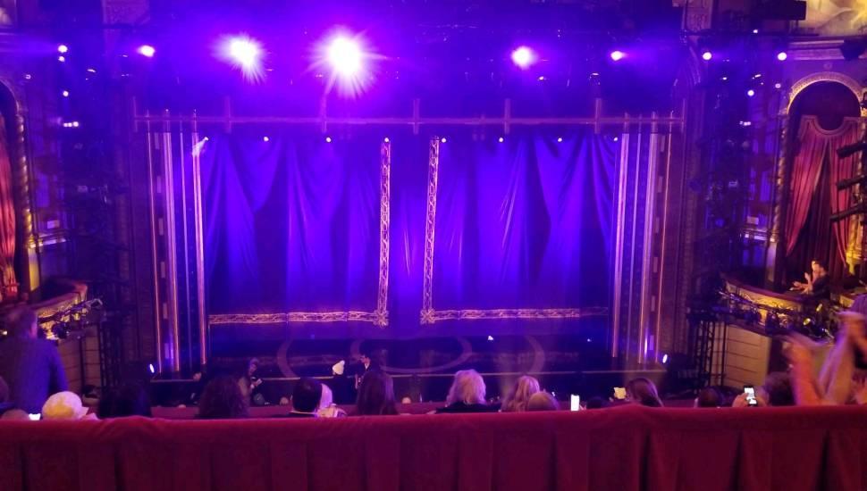 Brooks Atkinson Theatre,  Abschnitt <strong>107</strong>, Reihe <strong>3</strong>, Platz <strong>3</strong>