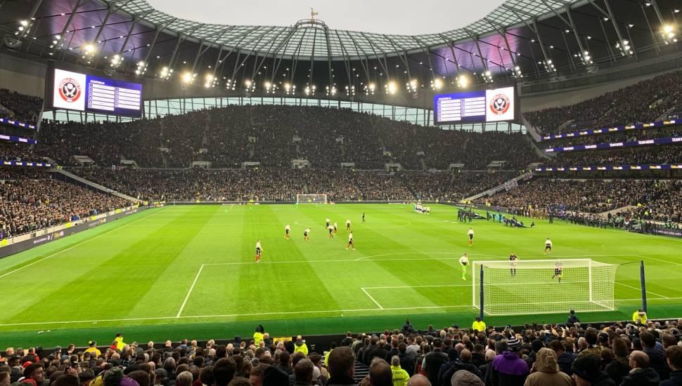 Tottenham Hotspur Stadium,  Abschnitt <strong>319</strong>, Reihe <strong>15</strong>, Platz <strong>13</strong>