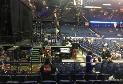 Allstate Arena, Abschnitt: 104, Reihe: F, Platz: 5