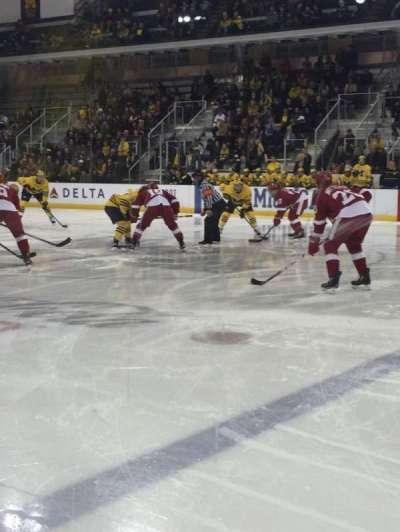 Yost Ice Arena, Abschnitt: 6, Reihe: 1, Platz: 1-4