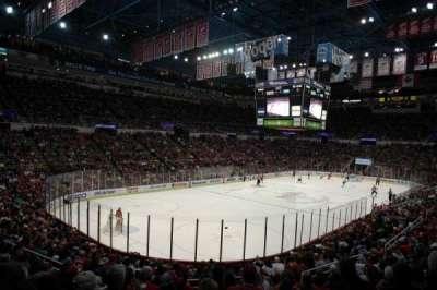 Joe Louis Arena, Abschnitt: 226 c standing room, Reihe: 1, Platz: 1