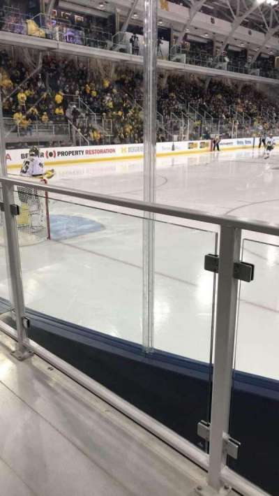 Yost Ice Arena, Abschnitt: 13, Reihe: 2, Platz: 1