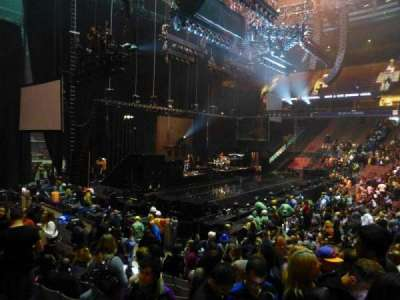 Rogers Arena, Abschnitt: 114, Reihe: 11, Platz: 102
