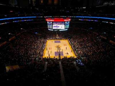 Staples Center, Abschnitt: 327, Reihe: 2, Platz: 2