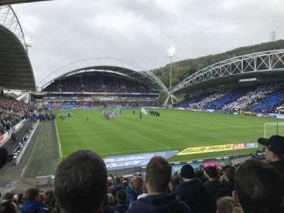 John Smith's Stadium, Abschnitt: The Chadwick Lawrence stand, Reihe: T, Platz: 142