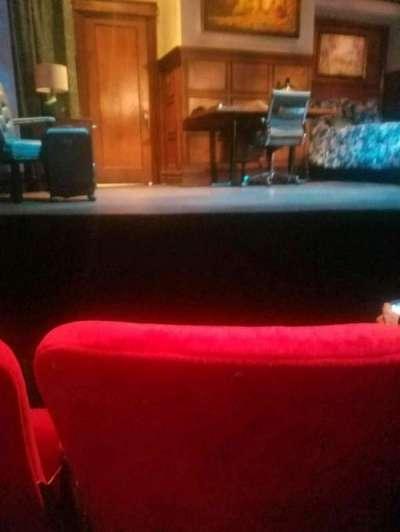 Lucille Lortel Theatre, Abschnitt: orch, Reihe: b, Platz: 108