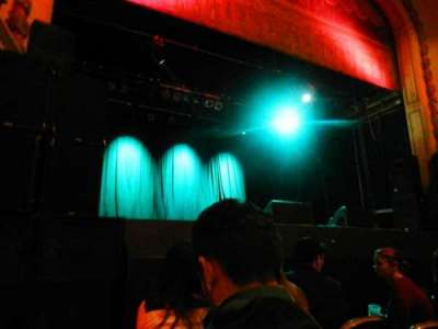 Trocadero Theater, Abschnitt: PIT, Reihe: 3, Platz: 1