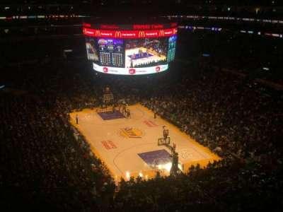 Staples Center, Abschnitt: 329, Reihe: 4, Platz: 3