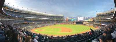 Yankee Stadium, Abschnitt: 215, Reihe: 12, Platz: 12